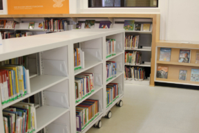 Spacesaver Library Carts - Rolling carts for a versatile Library