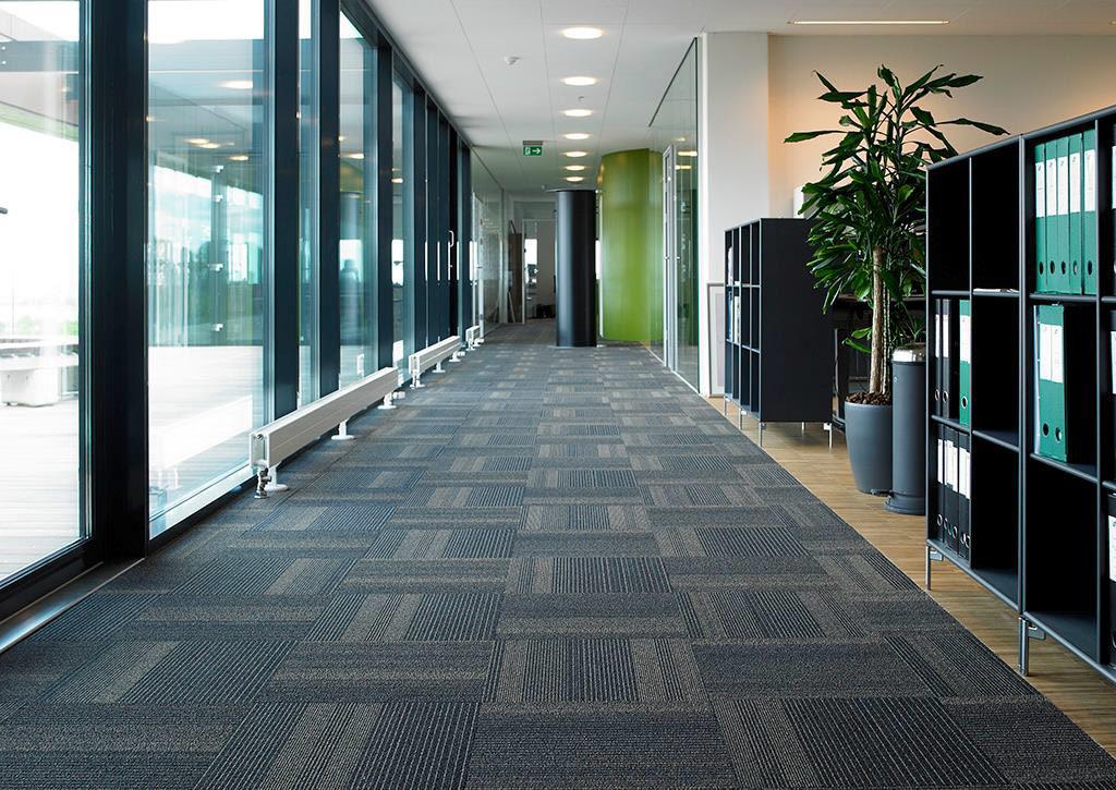 Carpet tile for corridor