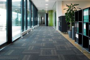 Carpet tile for corridor