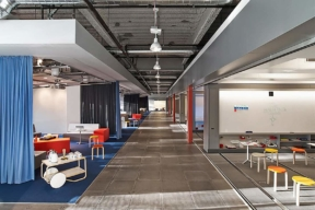 GE Think Tank Modular Walls in an open office space