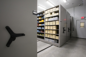 Mechanical Assist Mobile Shelving Museum Cold Storage for Film Preservation