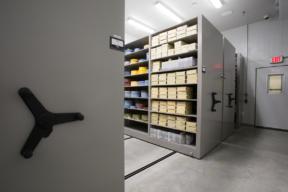 Mechanical Assist Mobile Shelving Museum Cold Storage for Film Preservation