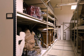 Mobile Wide Span Shelving Storing Artifacts